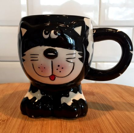Fun Animal Shaped Children's Ceramic Mug ~ Black & White Cat